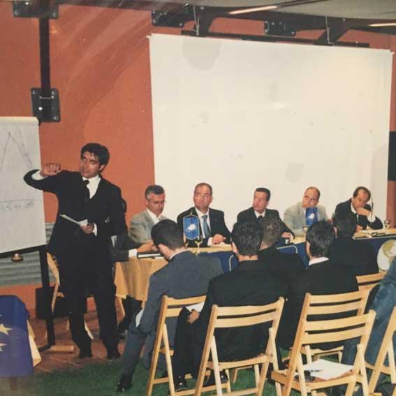 Anno 2001: le prime relazioni in pubblico