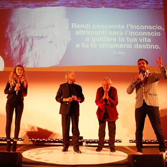 Con Sara sul palco insieme a Bruce Lipton e Gregg Braden